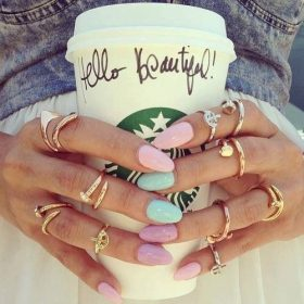 Pastel nails this summer!